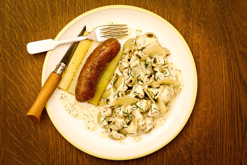 Lumaconi persil ail, saucisses, poireaux et crème de moutarde